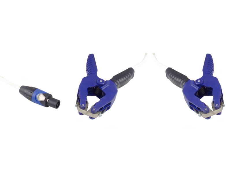 Комплект измерительных проводов с зажимами типа «крокодил» с шириной схвата до 55 мм и одним общим разъемом (для измерения сопротивления)